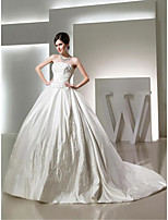 Ball Gown Wedding Dress-Chapel Train Strapless Satin