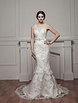 Trumpet/Mermaid Wedding Dress-Court Train V-neck Satin / Tulle