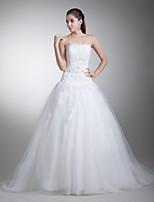 A-라인 웨딩 드레스 코트 트레인 끈없는 스타일 새틴 / 튤 와 비즈 / 아플리케
