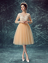 Cocktail Party Dress-Champagne A-line V-neck Knee-length Lace / Tulle