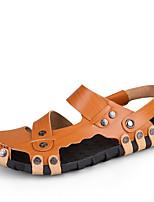 Zapatos de Hombre-Sandalias-Exterior / Oficina y Trabajo / Casual-Cuero-Marrón