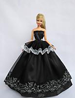 Poupée Barbie-Noir-Princesse-Robes- enSatin / Dentelle