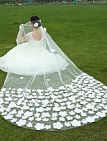 Wedding Veil One-tier Fingertip Veils / Cathedral Veils Lace Applique Edge / Raw Edge Tulle White White