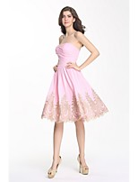 Cocktail Party Dress A-line Sweetheart Knee-length Chiffon with Appliques / Lace