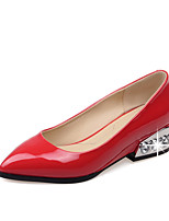 Women's Shoes Patent Leather Low Heel Basic Pump / Pointed Toe Heels Office & Career / Dress Black / Red / White