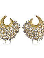 Simple Noble Luxury Stud Earrings Flower Shape Design 18K Gold Plated Womens Earrings Cubic Zircon Copper Earring
