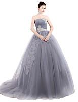 포멀 이브닝 드레스 볼 드레스 끈없는 스타일 스윕 / 브러쉬 트레인 튤 와 리본