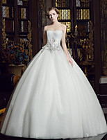 A-line Wedding Dress Court Train Sweetheart Tulle / Sequined with Appliques / Beading / Crystal