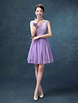 Knee-length Chiffon Bridesmaid Dress A-line V-neck with Lace