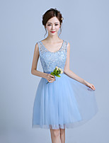 Knee-length Lace / Satin / Tulle Bridesmaid Dress A-line Straps with Lace