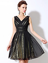 Cocktailparty Jurk - Zwart jurkje A-lijn V-hals Kort / Mini Chiffon / Pailletten met Zijdrapering / Pailletten
