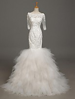 Trumpet / Mermaid Wedding Dress Court Train Scoop Lace / Tulle with Appliques / Beading
