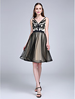 TS Couture® Cocktail Party Dress A-line V-neck Knee-length Tulle with Appliques / Sash / Ribbon