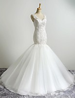 Fit & Flare Wedding Dress Sweep / Brush Train V-neck Tulle with Appliques / Beading