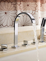 Contemporary /Modern Tub And Shower Waterfall / Rain Shower / Widespread / Handshower Included / Pullout Spray with