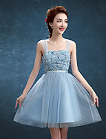 Knee-length Tulle / Polyester Bridesmaid Dress A-line Straps with Appliques