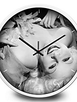 Sexy Goddess Monroe Marilyn Cafe Living Room Decorative Metal Silent Quartz Wall Clock