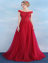 Formal Evening Dress A-line Off-the-shoulder Floor-length Tulle / Stretch Satin with Appliques / Buttons
