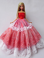 Poupée Barbie-Rouge / Blanc-Princesse-Robes- enSatin / Dentelle
