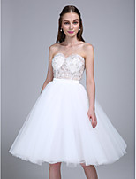 Lanting Bride Knee-length Tulle Bridesmaid Dress Ball Gown Sweetheart with Appliques / Sequins