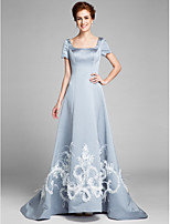 A-line Mother of the Bride Dress Court Train Short Sleeve Satin with Appliques / Feathers / Fur