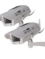 kingneo buiten / binnen zonne-energie dummy bewakingscamera gesimuleerd surveillance camera met LED-flitser, 2 stuks wit