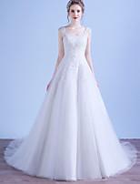 А-силуэт Свадебное платье Со шлейфом средней длины Глубокий круглый вырез Тюль с Аппликации