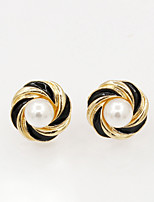 Earring Geometric Jewelry Women Fashion Wedding / Party / Daily / Casual / Sports Alloy / Imitation Pearl / Resin 1 pair Gold / Silver