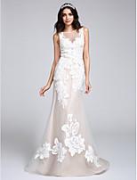 Lanting Bride® 트럼펫 / 머메이드 웨딩 드레스 스윕 / 브러쉬 트레인 보트넥 튤 와 아플리케 / 버튼