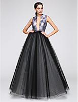Formeller Abend Kleid A-Linie V-Ausschnitt Boden-Länge Satin / Tüll mit Muster / Druck