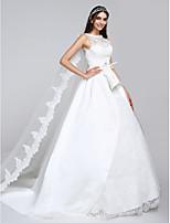 Lanting Bride® A-라인 웨딩 드레스 와토 트레인 보트넥 새틴 / 튤 와 아플리케 / 레이스