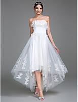Lanting Bride® A-lijn Bruidsjurk Asymmetrisch Strapless Tule met Appliqués / Ruche