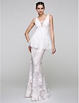 TS Couture® Formal Evening Dress Trumpet / Mermaid V-neck Floor-length Lace with Appliques / Lace