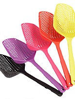 1Pcs Scoop Colander Drain Vegies Scoop Basket vegetable Water Strainer Cooking Utensil (Random Color)