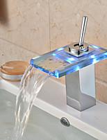 Contemporain Vasque LED / Cascade / Tactile/non tactile with  Valve en laiton Mitigeur un trou for  Chromé , Robinet de baignoire /