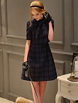 Damen A-Linie / Etuikleid Kleid-Ausgehen / Lässig/Alltäglich Retro / Niedlich / Anspruchsvoll Verziert Ständer Übers Knie Kurzarm Blau