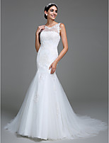 Lanting Bride® Trumpet / Mermaid Wedding Dress Court Train Scoop Tulle with Appliques / Button