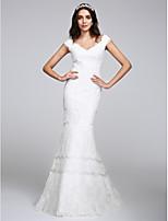 Lanting Bride® Havfrue Brudekjole Gulvlang V-hals Blonder med Blomsternål i krystall