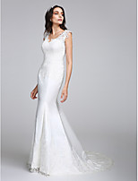 Lanting Bride® בתולת ים \ חצוצרה שמלת כלה  שובל קורט צווארון וי סאטן עם אפליקציות / כפתור