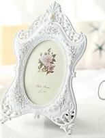 European Minimalist White Resin Wedding Photo Frame for Living Room (6-inch)