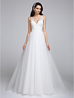 Lanting Bride® A-lijn Bruidsjurk Hofsleep V-hals Tule met Appliqués