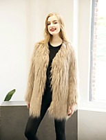 Women's Going out / Casual/Daily / Formal Vintage / Simple / Street chic Fur Coat,Solid Long Sleeve Faux Fur