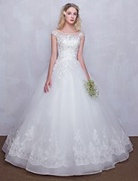 Ball Gown Wedding Dress Floor-length Scoop Tulle with Appliques / Lace