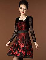 Женский На каждый день / Большие размеры Простое Оболочка Платье Вышивка,Квадратный вырез Выше колена Длинный рукав Красный Полиэстер