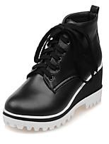 Zapatos de mujer-Tacón Cuña-Cuñas / Punta Redonda / Botas a la Moda-Botas-Oficina y Trabajo / Vestido / Casual-Semicuero-Negro / Blanco
