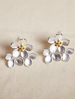 Серьга В форме цветка Бижутерия 1 пара Мода Повседневные Стерлинговое серебро Женский Белый