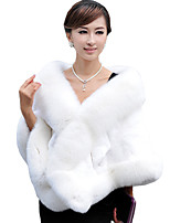 Women's Wrap Capelets Sleeveless Faux Fur Black / Burgundy / White / Gray Wedding / Party/ Feathers / fur Hidden Clasp