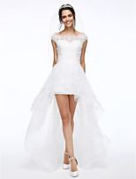 Lanting Bride® A-line Wedding Dress Asymmetrical Bateau Lace / Tulle with Flower / Beading / Button