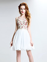 Cocktail Party Dress A-line Scoop Short / Mini Lace / Tulle with Crystal Detailing / Embroidery