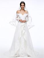 Lanting Bride® A-linje Brudekjole Svøpeslep Løs skulder Blonder / Organza med Perlearbeid / Blomsternål i krystall / Appliqué